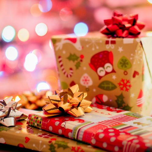 Tips to be a Dazzling Guest at Any Christmas Party